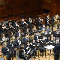 大学风乐团的合奏