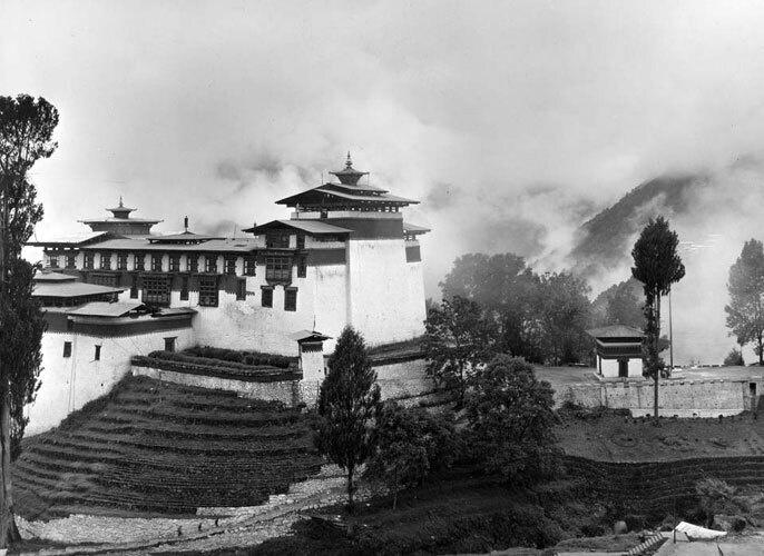 Sacred Geography: Tibet and Himalaya Photographs