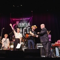Mountain Stage: Shawn Colvin, Lucy Kaplansky, and more with guest host Kathy Mattea