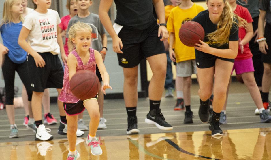 Little Huskies Girls' Basketball League