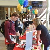 Oswego Abroad: Information Table with Student Mentors