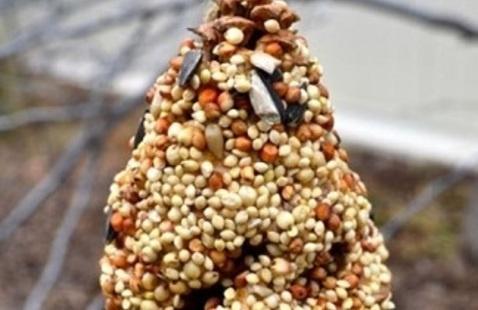 Kwanzaa Family Time: Pine Cone Bird Feeders