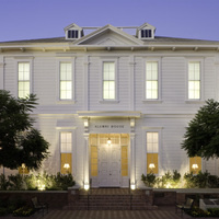 Alumni House (ALM)