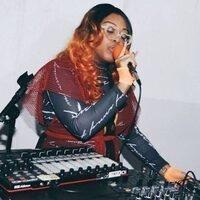 Suzi Analogue X Amber London with Honey Brown