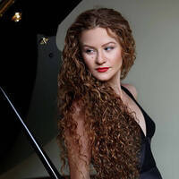 Triumphant Return: Pianist Asiya Korepanova