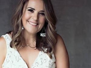Spanish/Cuban Singer-Songwriter Debora Galán