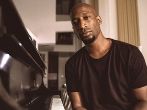 Solo Jazz Piano Series: Kevin Gift