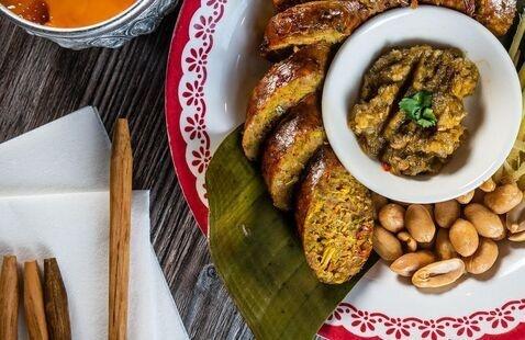 November Restaurant Club—Laos in Town