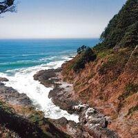 Common Adventure: Oregon Coast Hike at the Devil's Churn