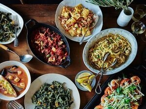 many different dishes from many different countries
