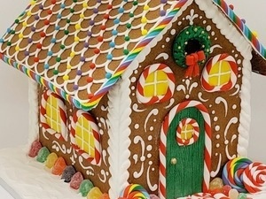Gingerbread House Decorating Party and Buffet at HOTEL DU PONT