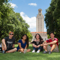 High School students enjoying UT Austin campus during Summer Discovery