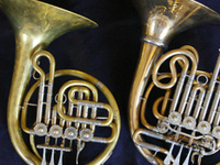 Eastman Performing Arts Medicine: Kristin Andlauer & Fiona Stout - French Horns!