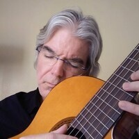 An evening with Jeffrey Thomasson on guitar