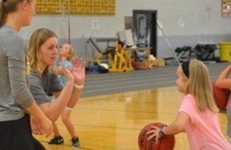 Little Huskies Girls' Basketball Camp