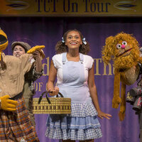 Photo of Dorthy in Oz cast members