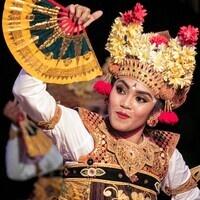 "{CANCELED} ""Women's Roles in Balinese Performance"" Lecture-Demonstration by Emiko Saraswati Susilo & Dewa Ayu Larassanti"