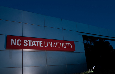 A picture of an NC State sign.