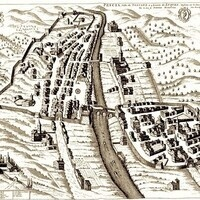 Bird's-eye view of Pescia, Italy, with key to points of interest, by Pierre Mortier (1704)