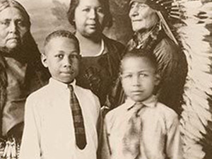 The Comanche family pictured here is from the early 1900s. Image courtesy of Sam DeVenney. Source: Smithsonian Magazine
