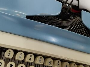 photo of typewriter