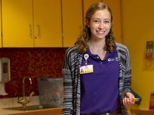 Dietrich School undergraduate Haley Fitzgerald volunteers at UPMC Children;s Hospital