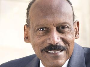 Dr. Larry Davis