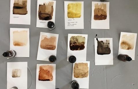 Natural Pigment Making. Photo: Jane Marsching.
