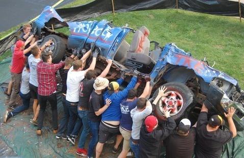 TKE - Car Smash