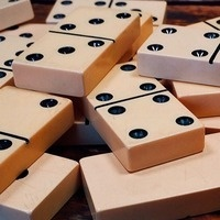 A photo of a pile of dominoes