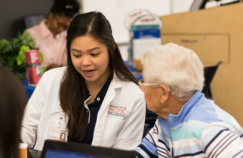 PharmD student at Medicare Part D Outreach Clinic