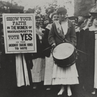 Mount Holyoke students supporting the right to vote (1916)