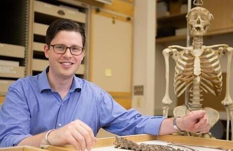 Dr. Neil Roach, HEB's Associate Concentration Advisor
