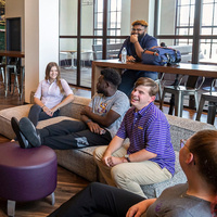 Students in Nicholson Gateway lounge