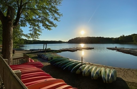 canoes at Chain O'Lakes State Park
