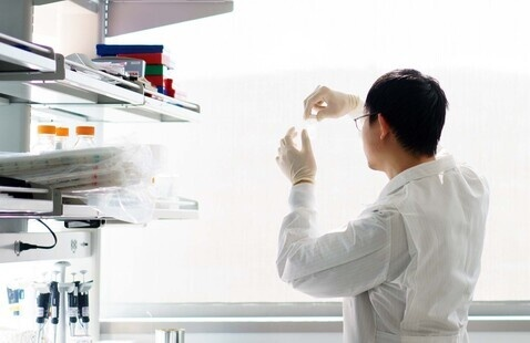 Photo of researcher in a lab.