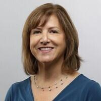 Professor Leslie Leve
