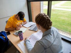 Pitt Honors: Summer Prep for Fall Scholarships