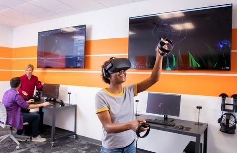 Launch your creative future at School of Digital Media virtual graduate info chat