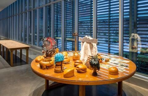 Decode contemporary art on exclusive tour for SCAD students
