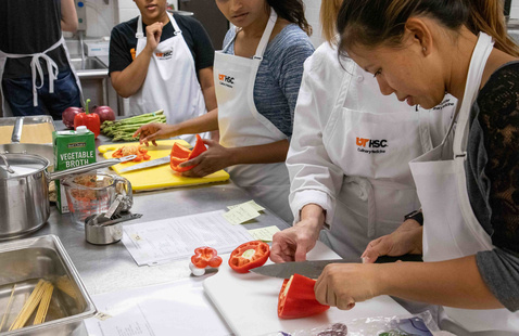 Students participate in Culinary Medicine program.
