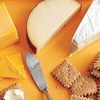 Good Grub: Cheese, grapes, and crackers