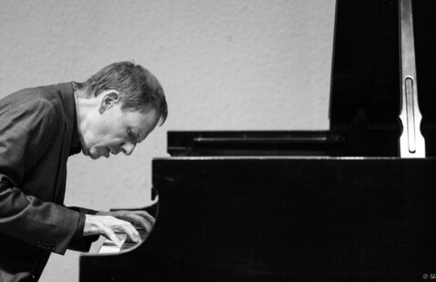 Festival Recital IV: Kevin Kenner plays Schumann and Chopin