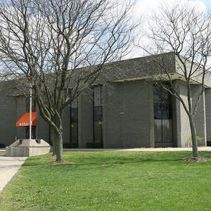 Mileti Alumni Center exterior building