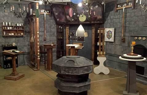 """""""The Alchemist"""" Virtual Escape Room"""