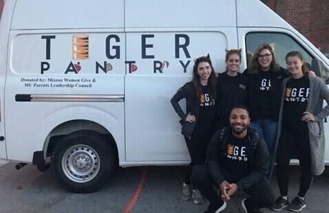 Volunteer at Tiger Pantry's Food Drive
