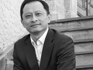 Prof. Robert L. Tsai