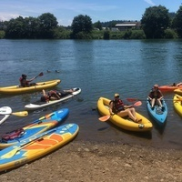 Inflatable Kayak and Paddleboard Trips for New Students on the Willamette River