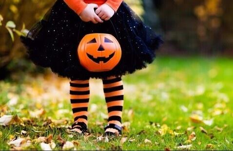 Halloween costume with a pumpkin