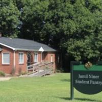 Jamil Niner Student Pantry Volunteer Shift
